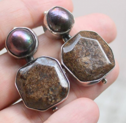 Bronzite, pearl, earrings, silver