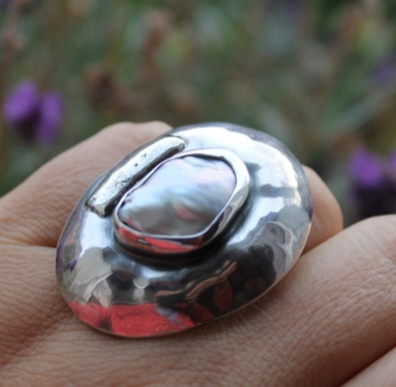Large baroque pearl, ring, silver